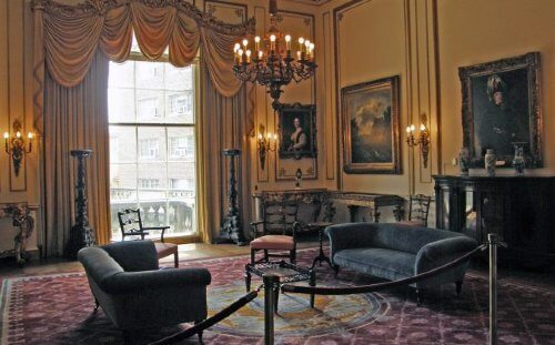 LaMere Family Travel Coralville Iowa City New Years Eve Gala 2022 Anderson House Living Room