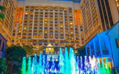 LaMere Family Travel Coralville Iowa City New Years Eve Gala 2022 Gaylord Fountain and Lights Show